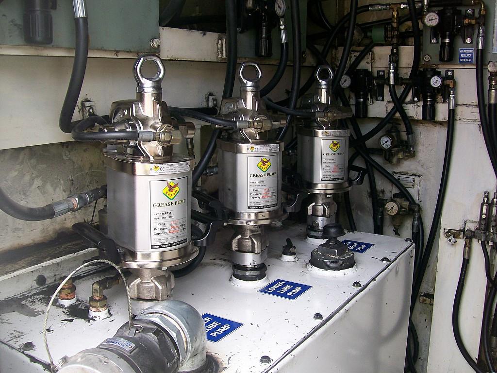 Sistema de lubricación centralizado con bombas ratio 75:1