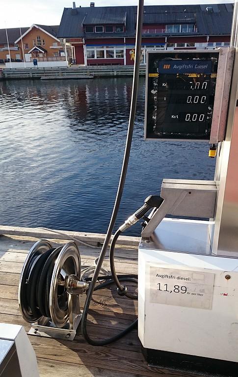 Equipos portátiles para suministro de aceite en taller náutico